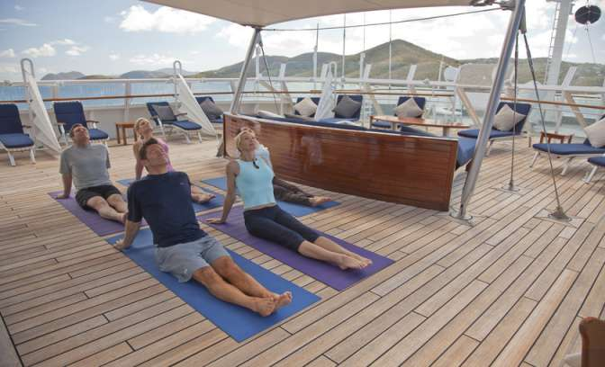 Yoga op de SeaDream I van SeaDream Yacht Club
